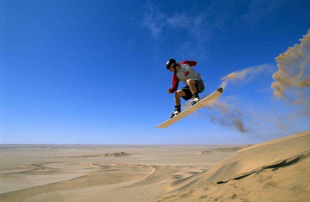 sandboarding erg chigaga